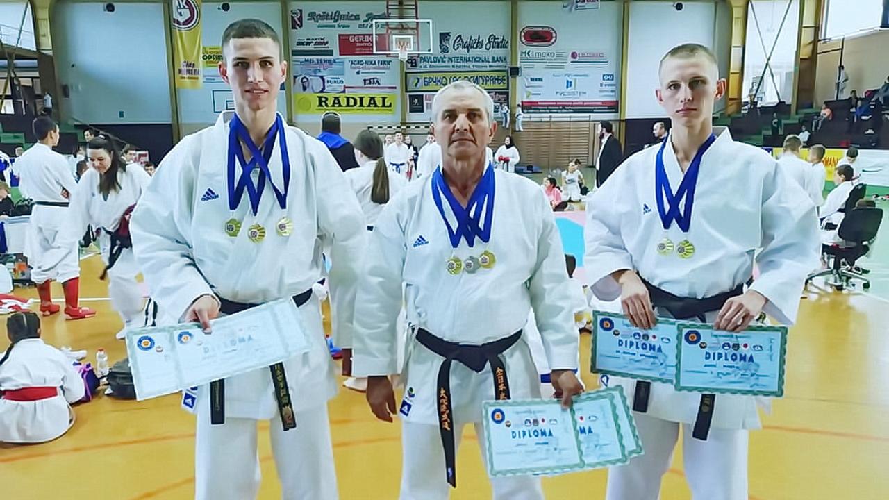 Karate klub Bušido iz Badovinaca ostvario izvanredan rezultat 7 zlatnih i jednu srebrnu medalju